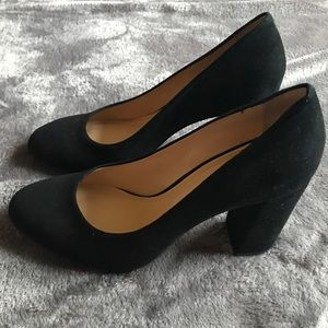 Gianni Bini Soft Suede Round Toe Heels in Black